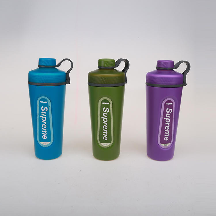 Three Styles of Sports Bottles with Three Colors