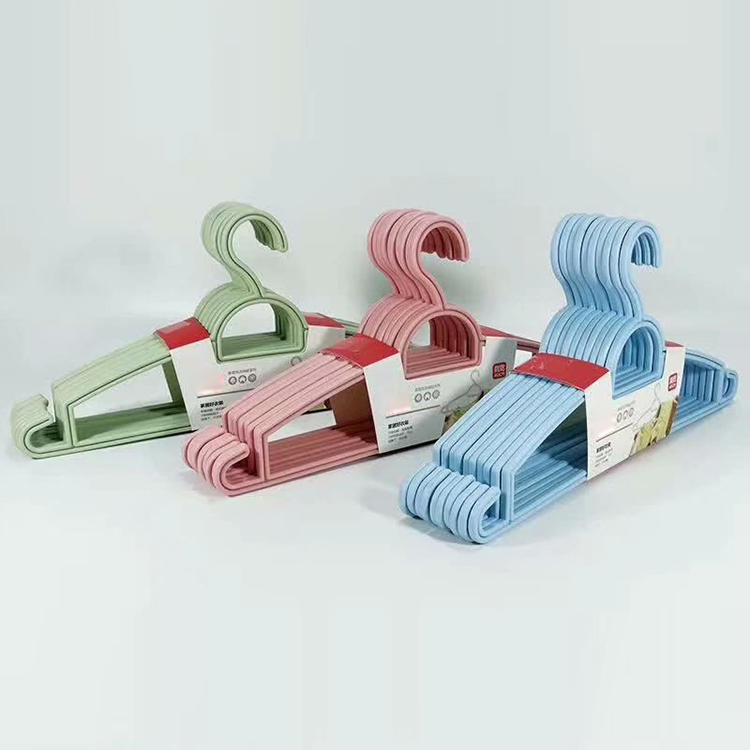 Plastic Five Styles Hangers with Three Colors