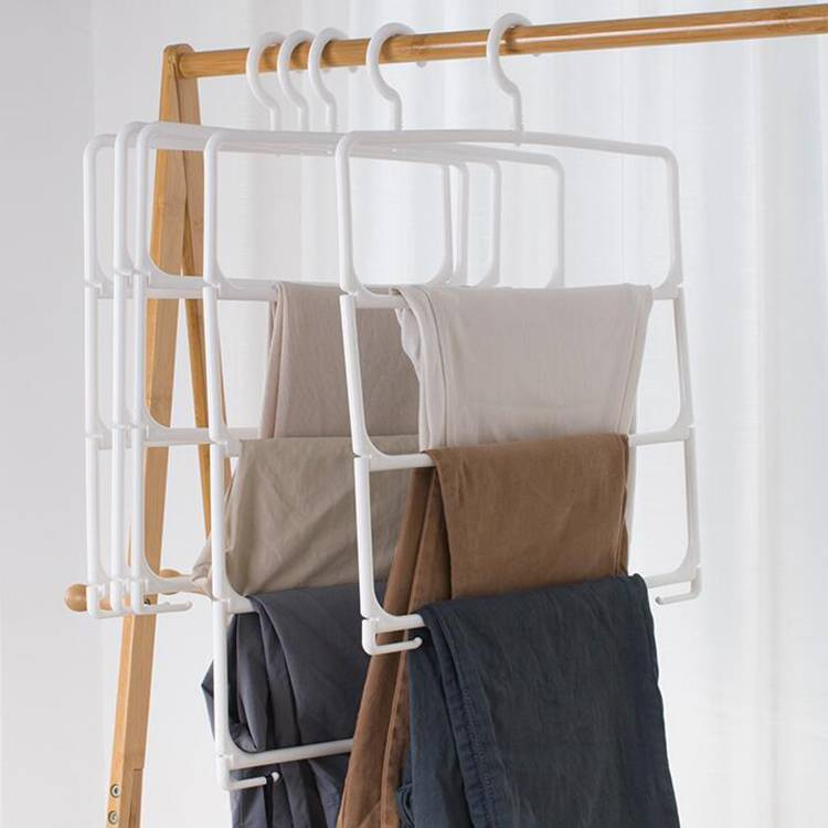 Four Multiple Styles Hanger with Large POM Clips